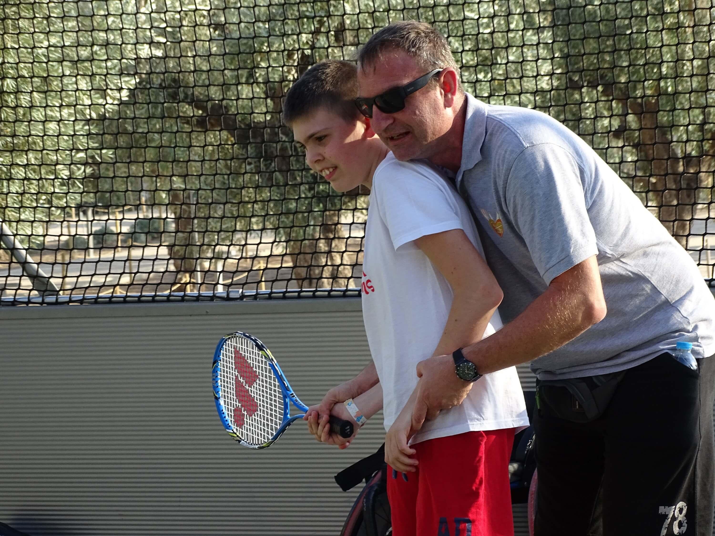 #ΜένουμεΣπίτι – Παίζουμε τένις; Η ιστορία της Ρακέτας!